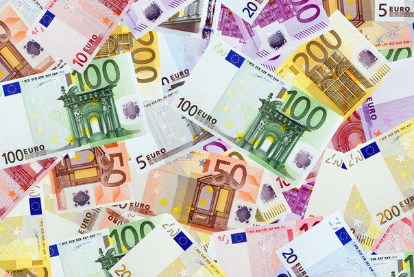 Συνολικά ποσά 1,5 δισ.ευρώ «φυγάδευσαν» στο εξωτερικό 5.260 δημόσιοι υπάλληλοι