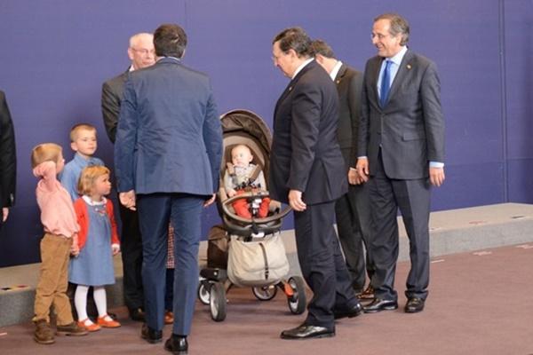 Τα μωρά που... εισέβαλαν στη Σύνοδο Κορυφής