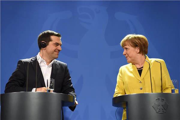 tsipras-merkel0880