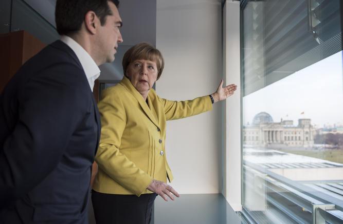 Ομοβροντία πάλι στον γερμανικό Τύπο κατά της Ελλάδας - Γράφουν για χρεοκοπία σε δύο εβδομάδες - Ο Τσίπρας παρακαλάει τη Μέρκελ για λεφτά