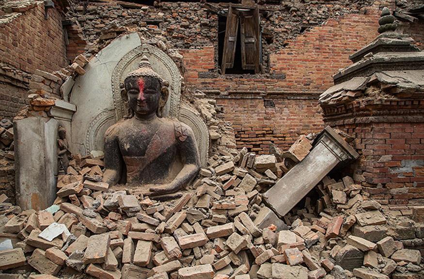 Τρόμος για σεισμικό ντόμινο από το Νεπάλ - Πώς έγινε ο καταστροφικός σεισμός και γιατί θα ξανασυμβεί! - Τι λένε Έλληνες και ξένοι επιστήμονες - Ξεπερνούν τους 3.500 οι νεκροί - Τρομακτικό βίντεο με ορειβάτες