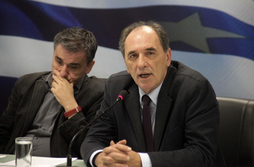 Τηλεδιάσκεψη υπουργών με τους θεσμούς για τα προαπαιτούμενα που εκκρεμούν