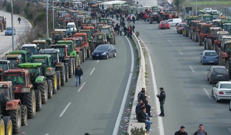 Βγαίνουν στους δρόμους οι αγρότες: Κρίσιμες συσκέψεις και μπλόκα από Δευτέρα