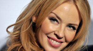Kylie Minogue: Η pop star στη Σίφνο