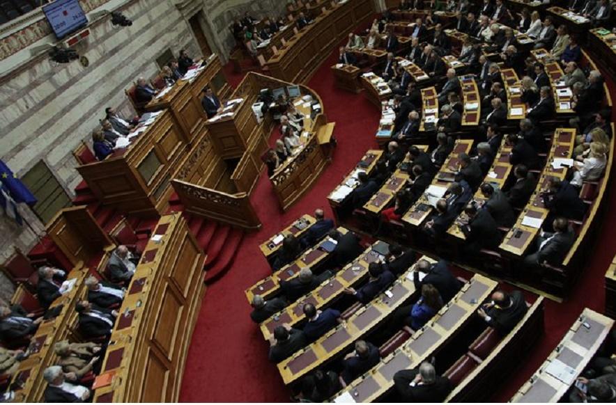 Τρέχει η κυβέρνηση να ψηφίσει το ασφαλιστικό μέσα στο Σαββατοκύριακο