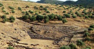 Αρχαίο θέατρο Καλυδώνος – Πώς ανακαλύφθηκε