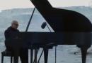 ΒΙΝΤΕΟ: Διάσημος πιανίστας παίζει στον Αρκτικό Ωκεανό