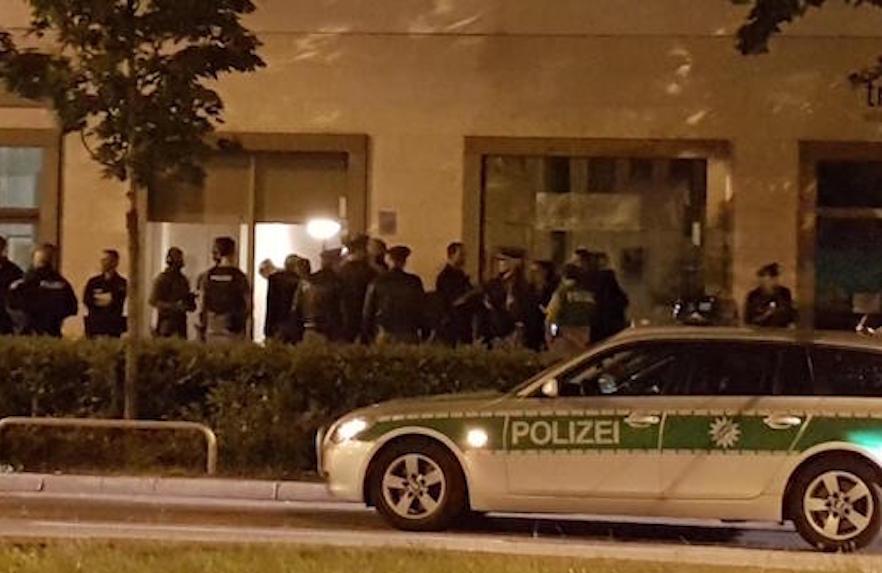 """Μόναχο: """"Θύμα bulling από τα 7"""" ο 18χρονος που σκόρπισε το θάνατο στο mall"""