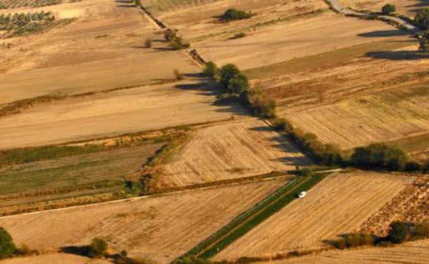 """ΕΝΦΙΑ: Βαρύς ο """"πέλεκυς"""" για 1,6 εκατ. ιδιοκτήτες αγροτεμαχίων"""