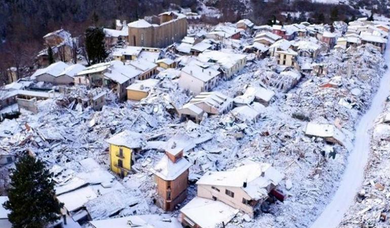 Ιταλία: Χιονοστιβάδα πλάκωσε ξενοδοχείο - Πληροφορίες για 30 νεκρούς