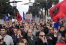 """""""Ηφαίστειο"""" η Αλβανία: Η αντιπολίτευση καλεί σε """"πολιτική ανυπακοή"""""""