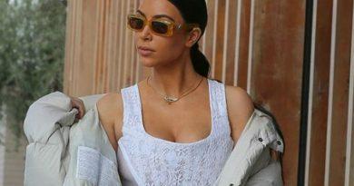 Το δαντελωτό μπουστάκι της Kim Kardashian έφερε… αποκαλύψεις