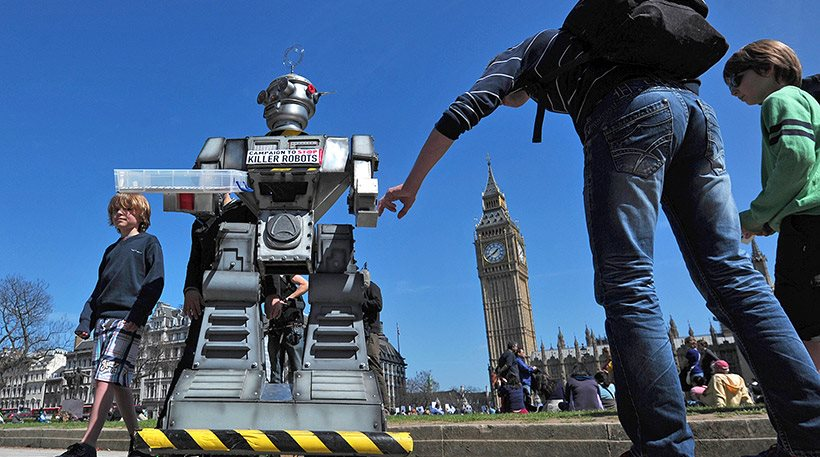 """Ειδικοί προειδοποιούν: Αν δεν προλάβουμε τα """"ρομπότ δολοφόνους"""" θα ανοίξει το κουτί της Πανδώρας"""