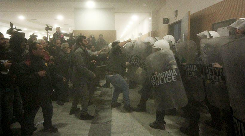 Αστυνομικοί για πλειστηριασμούς: Δεν θα βγάλουμε φτωχούς ανθρώπους από τα σπίτια τους