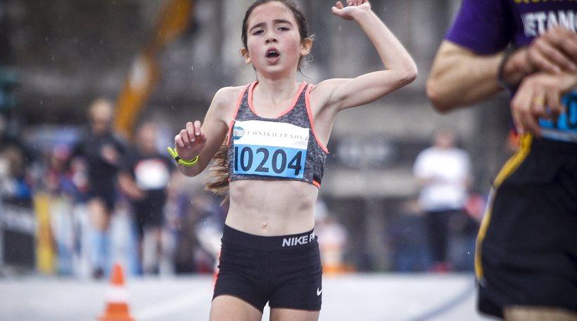 Γκάφα ΕΡΤ: Ο παρουσιαστής δεν είδε ποτέ ότι η 12χρονη Γλυκερία τερμάτισε τρίτη