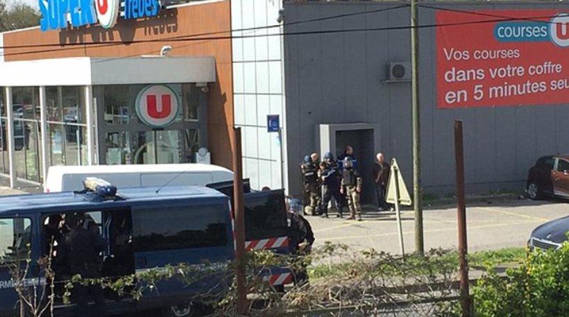 """Νότια Γαλλία: """"Εξουδετερώθηκε"""" ο τζιχαντιστής που κρατούσε ομήρους σε σούπερ μάρκετ"""