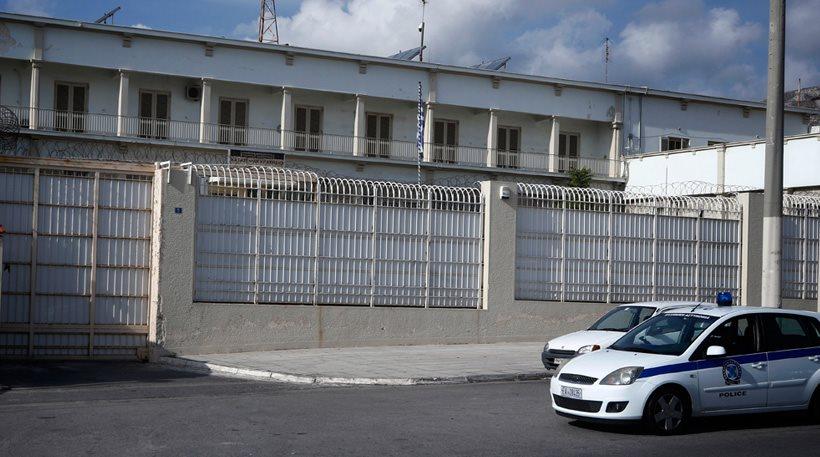 Καταγγελία της Ομοσπονδίας Σωφρονιστικών Υπαλλήλων: Οι Αλβανοί μαστιγώνουν σωφρονιστικούς και το υπουργείο μοιράζει προφυλακτικά