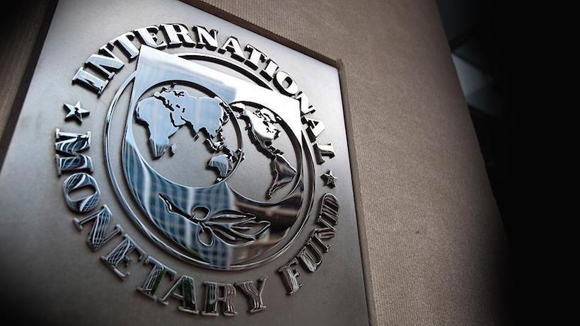 Σκληραίνει τη στάση του το ΔΝΤ: Τι ζητάει τώρα για τράπεζες και αφορολόγητο